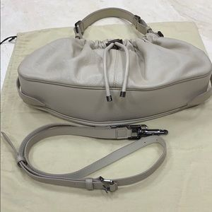 BURBERRY EXPANDABLE HANDBAG IN TAUPE